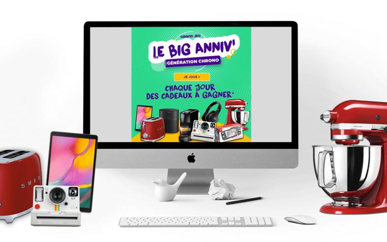 Visuel du jeu Chronodrive Big anniv dans un ordi, sur un bureau aménagé
